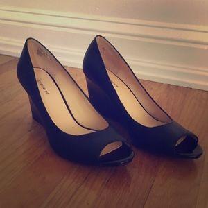 Liz Claiborne Black Wedge Dress Shoes 7.5